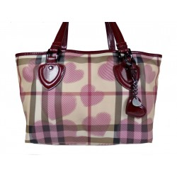 Burberry Hearts Shopping